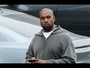 VIDEO : Kanye West ditches phone